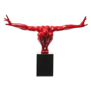 Červená dekoratívna socha Kare Design Atlet, 75 × 52 cm