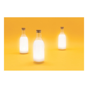 Svietidlo v tvare fľaše s mliekom Luckies of London Milk