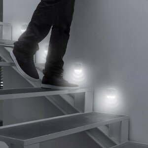 Sada 2 LED osvetlení na pohybový senzor InnovaGoods