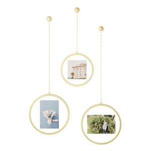 Súprava 3 závesných rámov v zlatej farbe na fotografie Umbra Luna