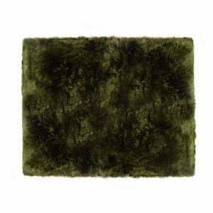 Tmavozelený koberec z ovčej kožušiny Royal Dream Zealand Sheep, 130 x 150 cm