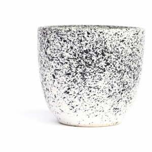 Bielo-čierna kameninová šálka ÅOOMI Mess, 80 ml