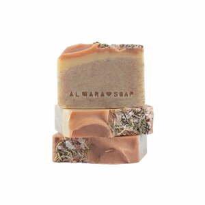 Ručne vyrobené mydlo Almara Peeling Wallnut