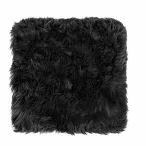 Čierny sedák z ovčej kožušiny na jedálenskú stoličku Royal Dream, 40×40 cm