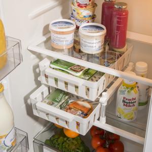 Regál s 2 košíkmi do chladničky, biely