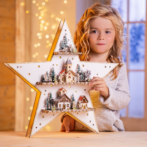 LED Drevená hviezda s hracou skrinkou
