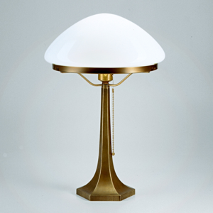 Berliner Messinglamp Stolná lampa Greta z mosadze