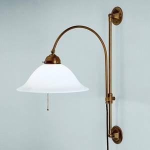 Berliner Messinglamp Rhodos – presahujúce mosadzné nástenné svietidlo