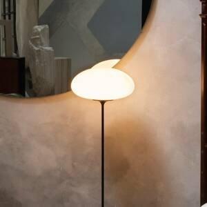 GUBI GUBI Stemlite stojaca lampa čierno-chrómová 150cm