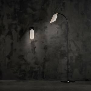 LE KLINT LE KLINT Pliverre stojaca lampa zakrivená opál