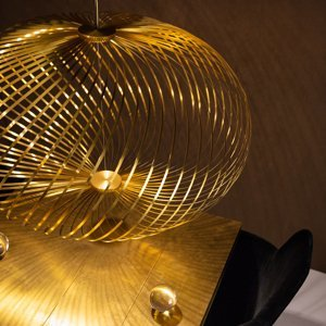 Tom Dixon Tom Dixon Spring large závesná lampa Ø 95cm mosadz