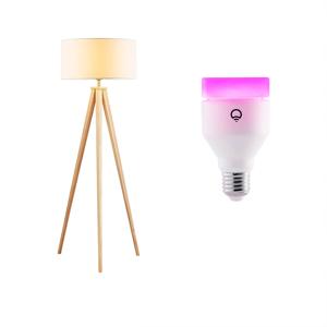 Lampenwelt.com Drevená stojaca lampa Mya, žiarovka LIFX E27 RGBW