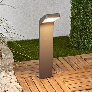 Lindby Soklové LED svietidlo Maddox nahnuté