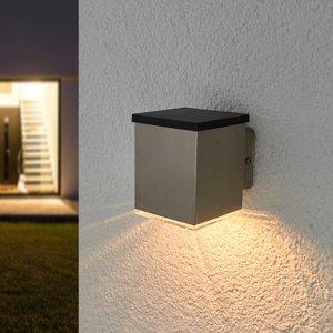 Lindby Solárne nástenné LED svietidlo Tyson hranaté číre